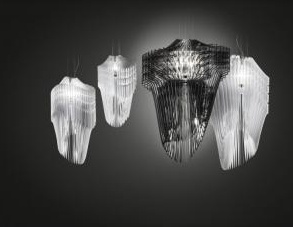 Illuminazione: Al Salone del Mobile le 'sculture pendenti' di Zaha Hadid - A Euroluce in scena 
